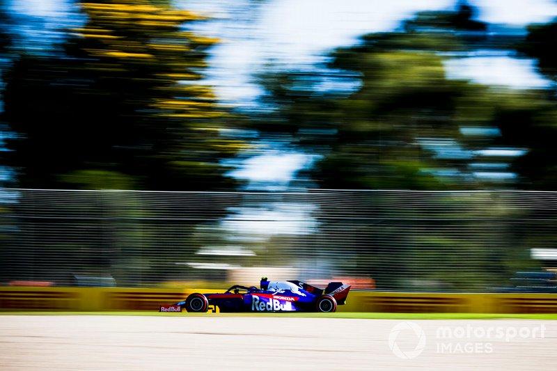 Александр Элбон, Toro Rosso STR14, 1:22.636