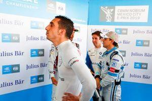 Sébastien Buemi, Nissan e.Dams watches the screens during Super Pole as Felipe Massa, Venturi Formula E chats with Lucas Di Grassi, Audi Sport ABT Schaeffler and Antonio Felix da Costa, BMW I Andretti Motorsports