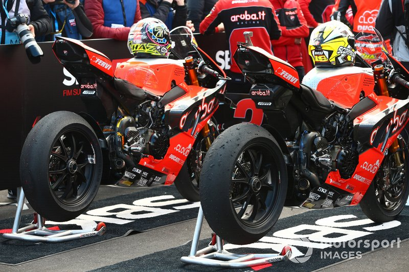 Bikes von Chaz Davies, Aruba.it Racing-Ducati Team, und Alvaro Bautista, Aruba.it Racing-Ducati Team