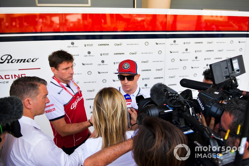 Kimi Raikkonen, Alfa Romeo Racing speaks with the media