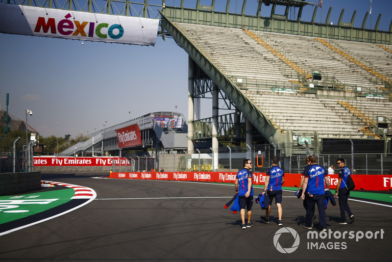 Brendon Hartley, Toro Rosso, fait une reconnaissance de la piste