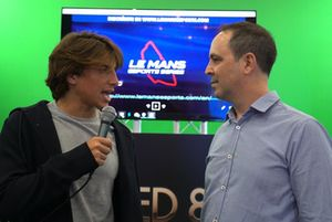 Roberto Merhi y Jacobo Vega, en la Madrid Games Week