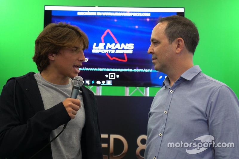 Roberto Merhi y Jacobo Vega, en la Madrid Games Week