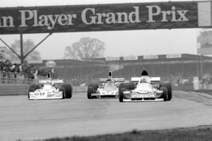 John Nicholson Lyncar 006 (car no 50) leads Lella Lombardi March 751 (car no 10) and Tony Trimmer Safir Cosworth (car no 52