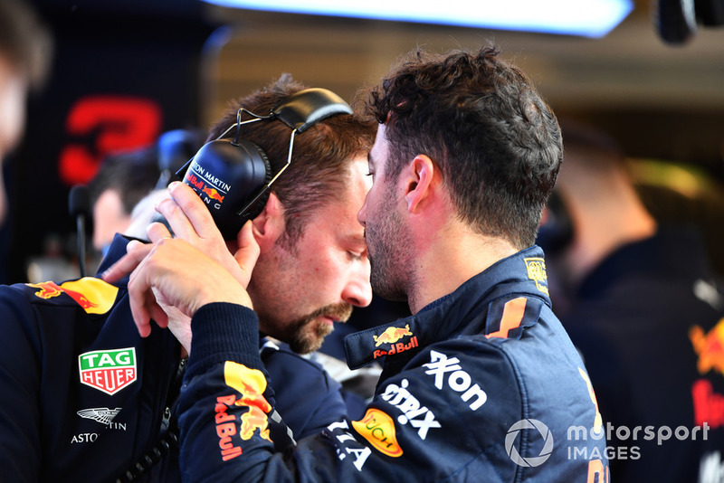 Daniel Ricciardo, Red Bull Racing y Simon Rennie, Ingeniero de carreras de Red Bull Racing