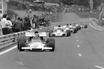 Helmut Marko, BRM P160B, leads Tim Schenken, Surtees TS9B