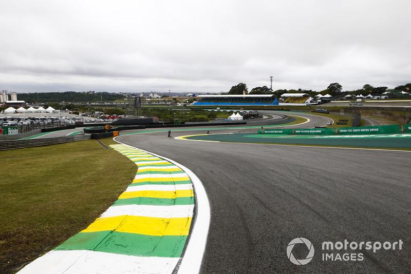 Após este período, Interlagos poderá voltar à briga, caso não haja acordo. A possibilidade do anúncio do futuro da prova brasileira pode acontecer perto do GP, que neste ano será realizado no dia 17 de novembro.