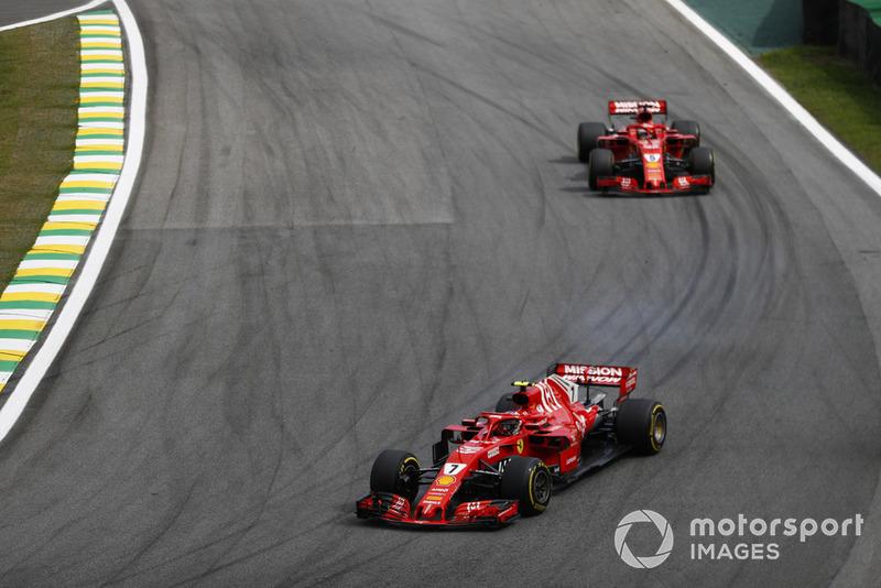Kimi Raikkonen, Ferrari SF71H, Sebastian Vettel, Ferrari SF71H.