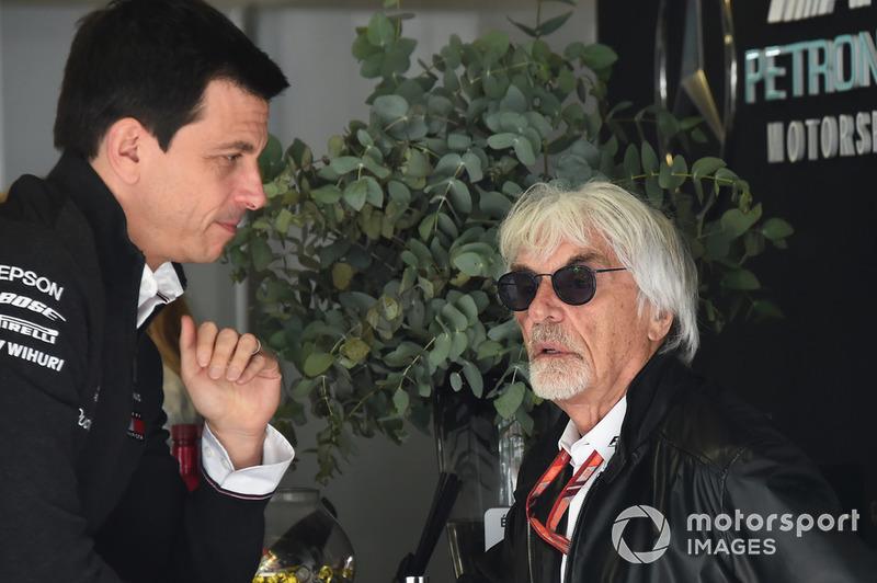 Toto Wolff, Mercedes AMG F1, bersama Bernie Ecclestone