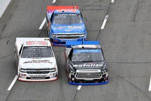 Noah Gragson, Kyle Busch Motorsports, Toyota Tundra Safelite AutoGlass, Timothy Peters, GMS Racing, Chevrolet Silverado AUTOSBYNELSON.COM, Stewart Friesen, Halmar Friesen Racing, Chevrolet Silverado We Build America