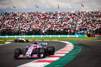 Esteban Ocon, Racing Point Force India VJM11, leads Lance Stroll, Williams FW41