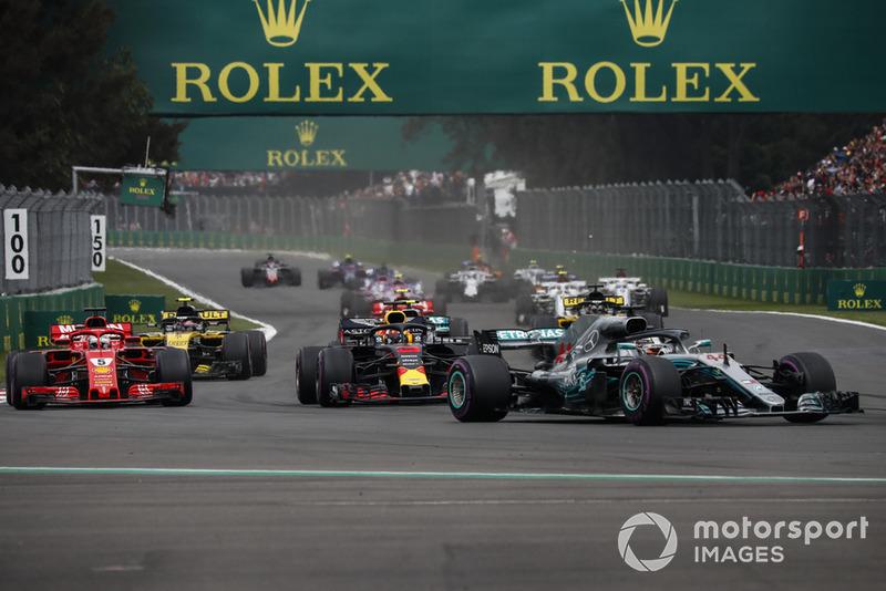 Lewis Hamilton, Mercedes AMG F1 W09 EQ Power+, Daniel Ricciardo, Red Bull Racing RB14 y Sebastian Vettel, Ferrari SF71H