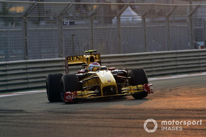 Vitaly Petrov, Renault R30