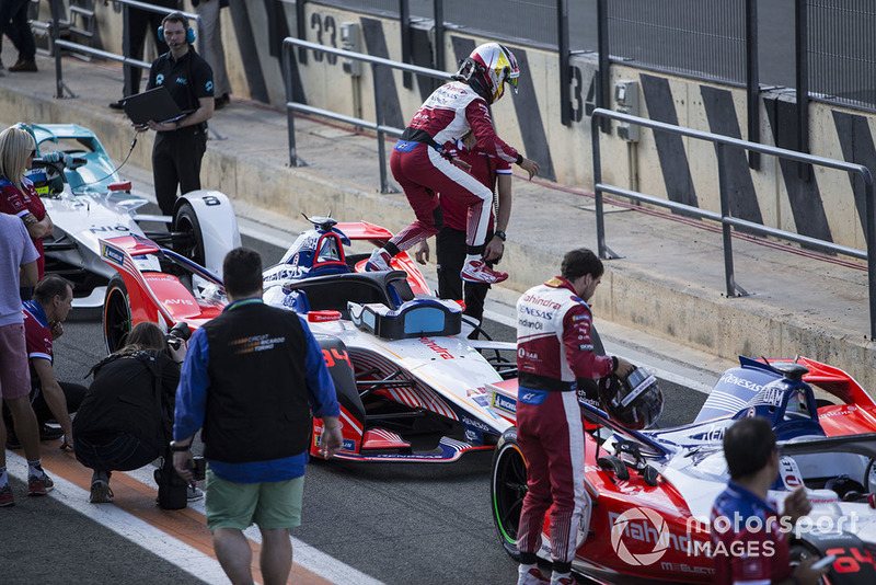 Pascal Wehrlein, Mahindra Racing, M5 Electro exits his car