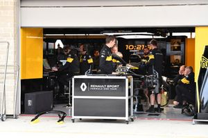 Renault Sport F1 Team RS18 in the garage