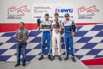 منصة التتويج السباق الأول في دبي.