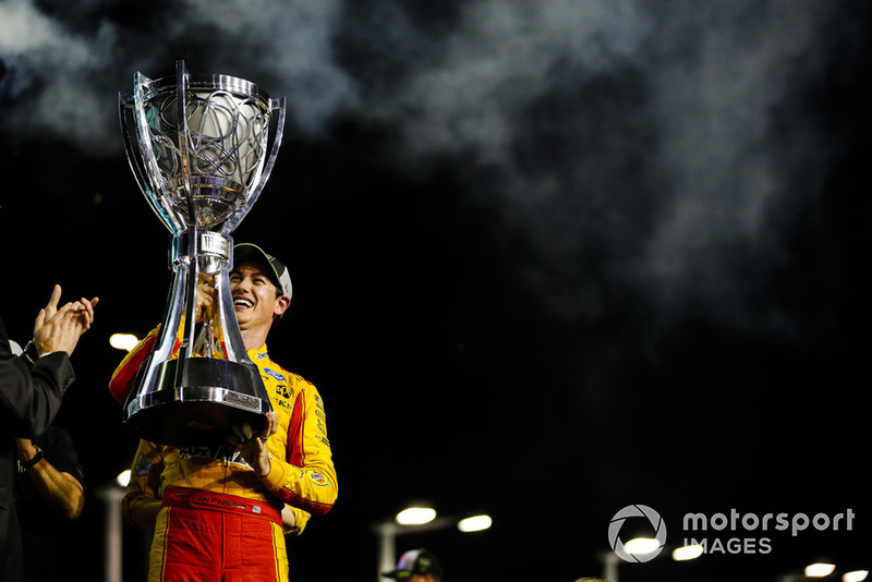 Joey Logano, Team Penske, Ford Fusion Shell Pennzoil celebra