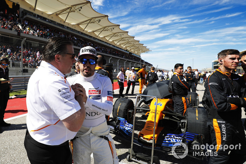 Zak Brown, Direktör, McLaren Racing ve Fernando Alonso, McLaren