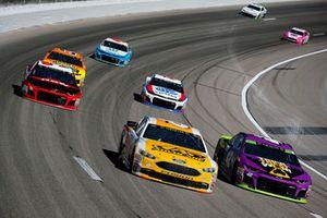 Trevor Bayne, Roush Fenway Racing, Ford Fusion AdvoCare Rehydrate, Kyle Larson, Chip Ganassi Racing, Chevrolet Camaro McDonald's Trick. Treat. Win!