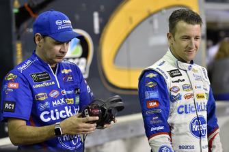 A.J. Allmendinger, JTG Daugherty Racing, Chevrolet Camaro Kroger ClickList e Trent Owens