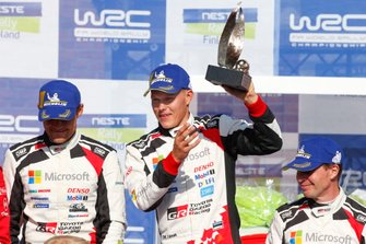 Podio: Ganador Ott Tänak, Martin Järveoja, Toyota Gazoo Racing WRT Toyota Yaris WRC