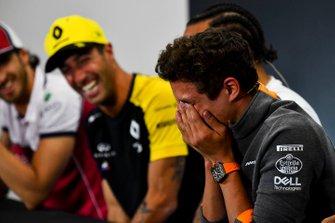 Lando Norris, McLaren and Daniel Ricciardo, Renault F1 Team laughing in the Press Conference