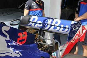 Toro Rosso STR14, ala trasera