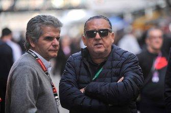 Galvão Bueno e Chico Serra na Corrida do Milhão da Stock Car