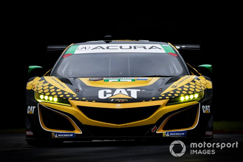 #57 Heinricher Racing w/Meyer Shank Racing Acura NSX GT3, GTD: Katherine Legge, Alice Powell