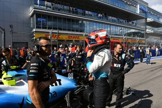 Robert Kubica, Williams Racing, on the grid