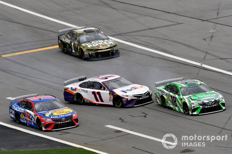 Denny Hamlin, Joe Gibbs Racing, Toyota Camry FedEx Office and Kyle Busch, Joe Gibbs Racing, Toyota Camry Interstate Batteries