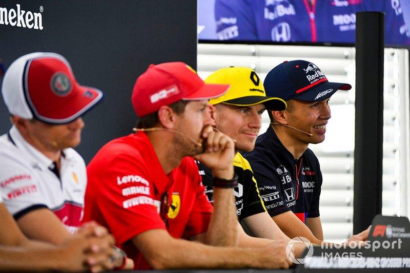 Alexander Albon, Toro Rosso, Nico Hulkenberg, Renault F1 Team, Sebastian Vettel, Ferrari et Kimi Raikkonen, Alfa Romeo Racing lors de la conférence de presse