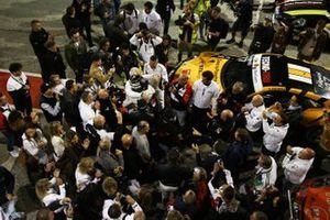 Enrico Fulgenzi, Tsunami RT festeggia dopo la vittoria
