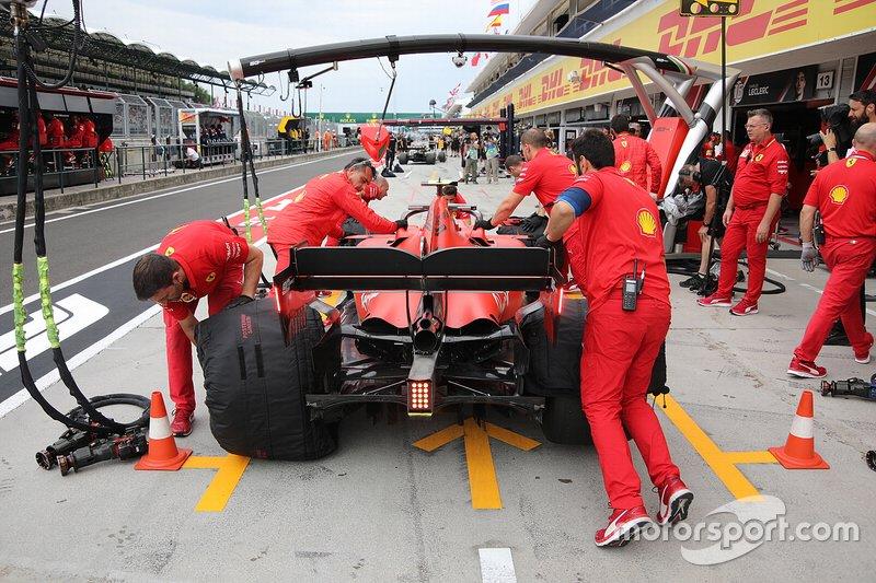 Traseira da Ferrari SF90