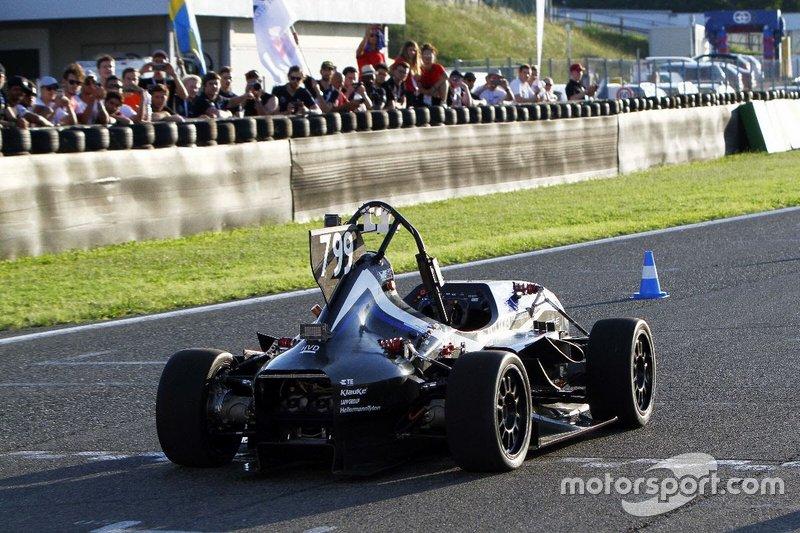 Autodromo Varano Calendario 2020.Azione In Pista A Varano De Melegari Formula Sae Italia Foto