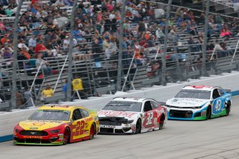 Joey Logano, Team Penske, Ford Mustang Shell Pennzoil Corey LaJoie, Go FAS Racing, Ford Mustang Drydene Darrell Wallace Jr., Richard Petty Motorsports, Chevrolet Camaro Victory Junction