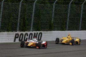 Takuma Sato, Rahal Letterman Lanigan Racing Honda, Simon Pagenaud, Team Penske Chevrolet