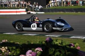 Whitsun Trophy Karun Chandhok McLaren