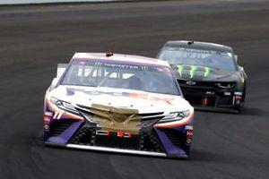 Denny Hamlin, Joe Gibbs Racing, Toyota Camry FedEx Express and Kurt Busch, Chip Ganassi Racing, Chevrolet Camaro Monster Energy