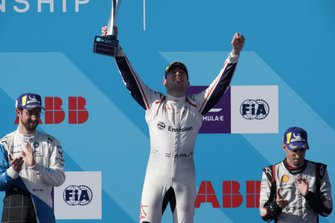 Race winner Robin Frijns, Envision Virgin Racing celebrates on the podium with Alexander Sims, BMW I Andretti Motorsports, 2nd position, Sébastien Buemi, Nissan e.Dams, 3rd position