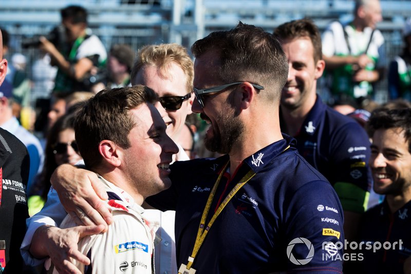 Robin Frijns, Envision Virgin Racing, Audi e-tron FE05, festeggia con Leon Price of Virgin Racing