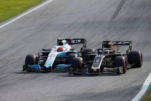 Romain Grosjean, Haas F1 Team VF-19, en lutte avec Robert Kubica, Williams FW42