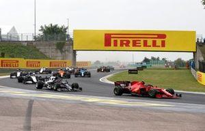 Carlos Sainz Jr., Ferrari SF21, Yuki Tsunoda, AlphaTauri AT02, Nicholas Latifi, Williams FW43B, and George Russell, Williams FW43B
