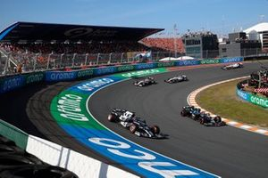 Yuki Tsunoda, AlphaTauri AT02, Lance Stroll, Aston Martin AMR21, and Robert Kubica, Alfa Romeo Racing C41