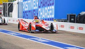 Alexander Sims, Mahindra Racing, M7Electro, Pascal Wehrlein, Porsche, Porsche 99X Electric