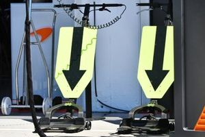 McLaren pit equipment