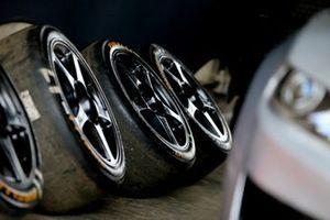 Detalhe dos aros e pneus da GT Sprint Race