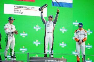 Podio: Vincitore della gara Ayhancan Güven, BWT Lechner Racing, secondo posto Dorian Boccolacci, Pierre martinet by Alméras, terzo posto Larry ten Voorde, GP Elite