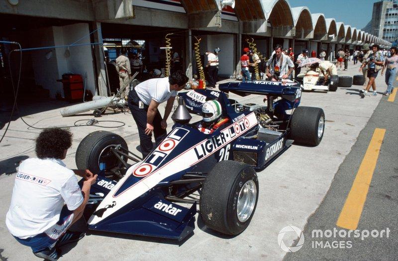 Andrea de Cesaris, Ligier JS23 Renault,Thierry Boutsen, Arrows A6 Ford