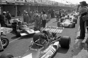 Jean-Pierre Beltoise's BRM P160C, Arturo Merzario, Ferrari 312B2, Mike Hailwood, Surtees TS9B Ford